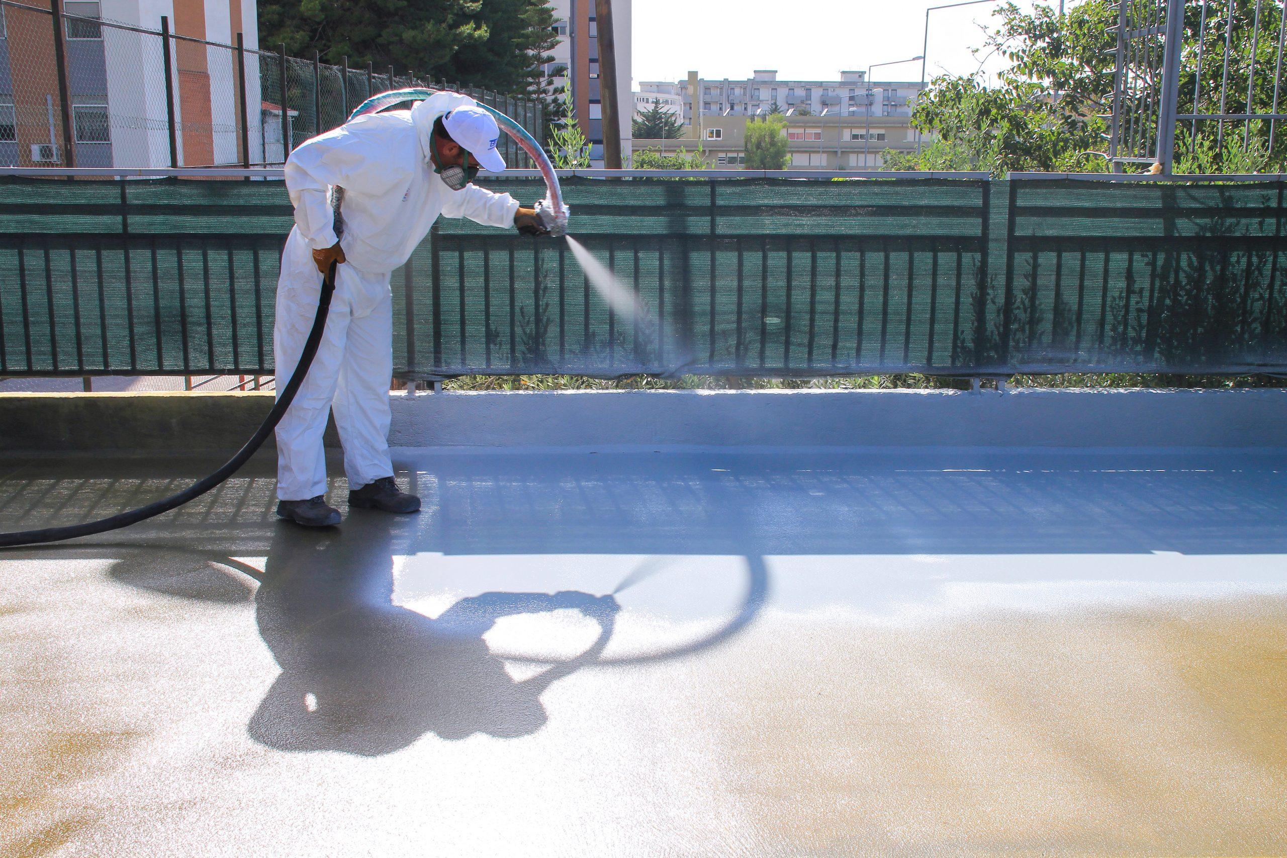 Come si applica la poliurea? Impermeabilizzazioni su guaina, legno, calcestruzzo